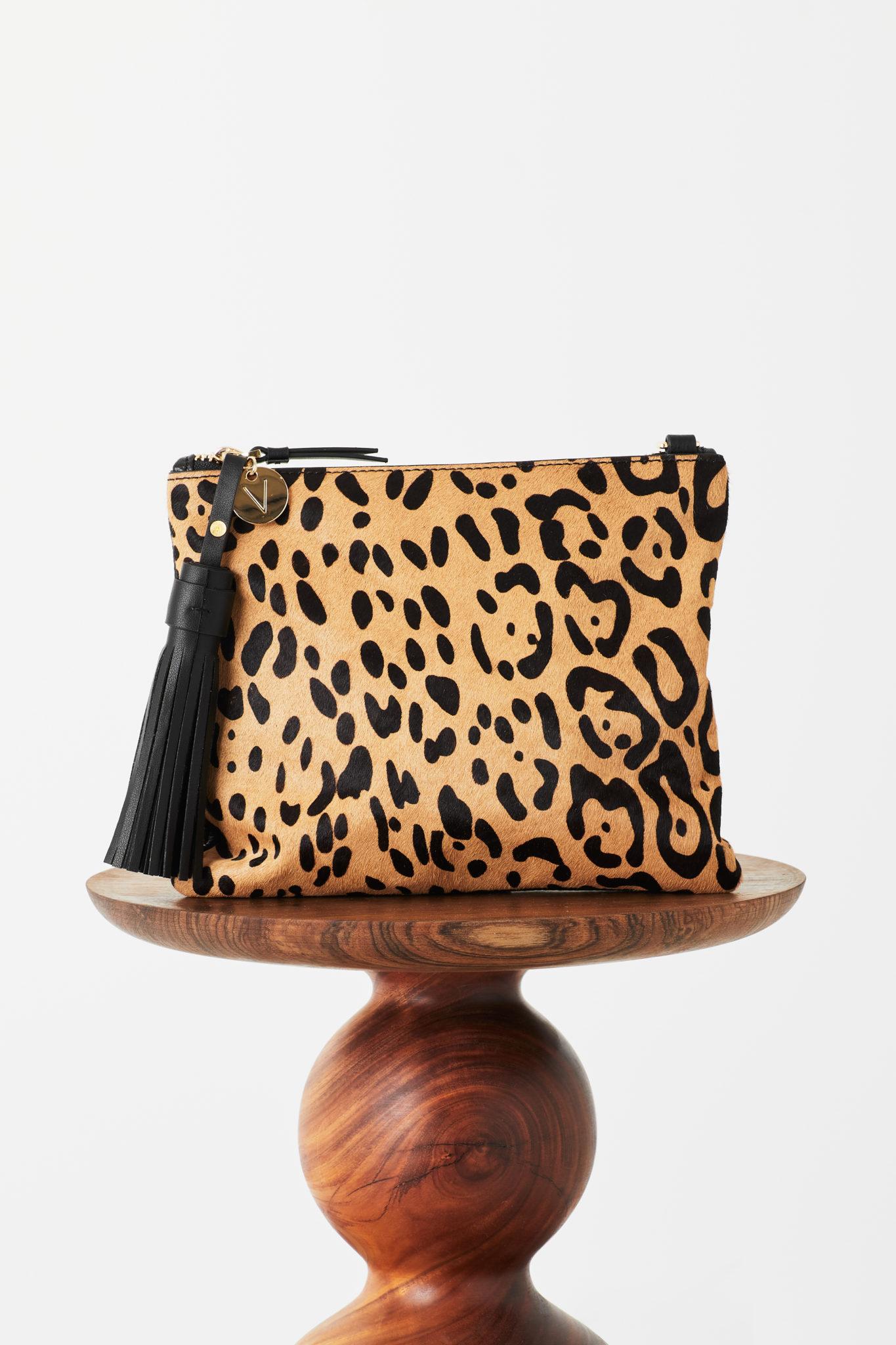 Mickey Flat Clutch In Jaguar